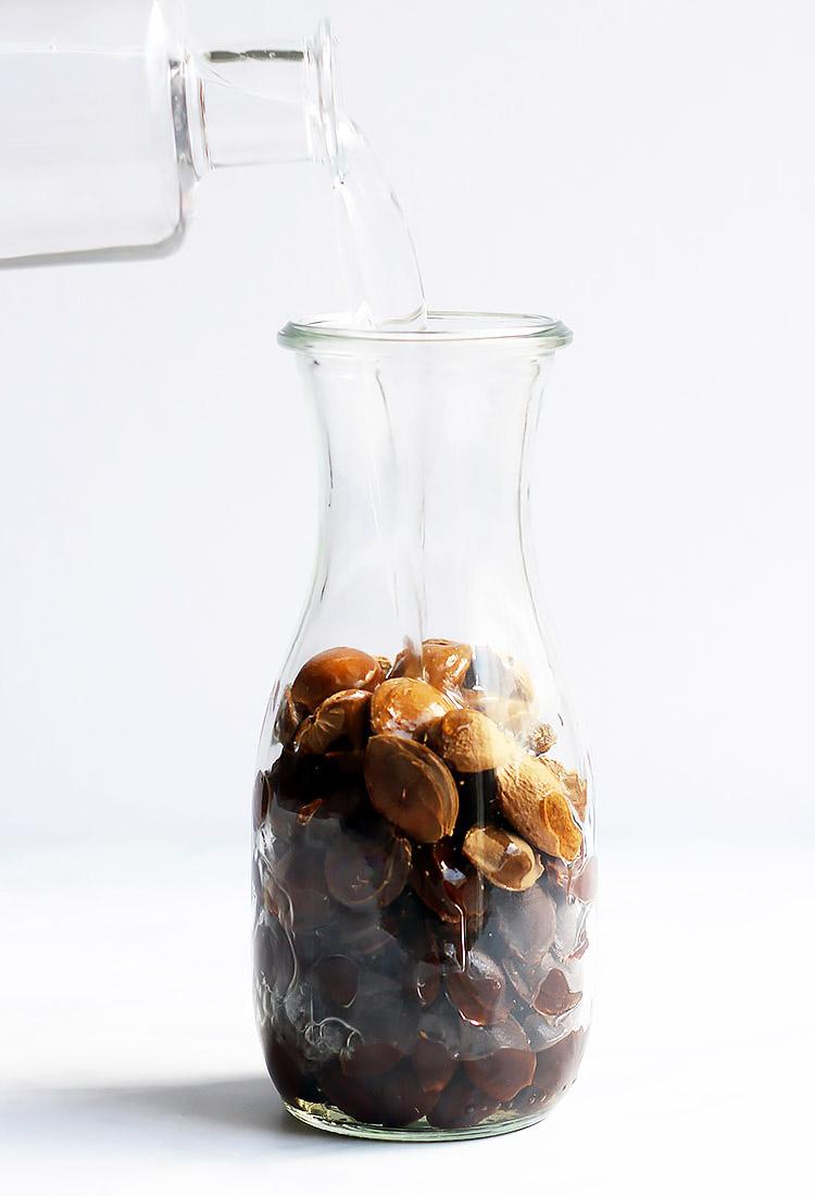 Amaretto ansetzen mit Aprikosenkernen Rezept