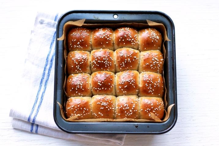American Dinner Rolls mit Salbei und brauner Butter Rezept