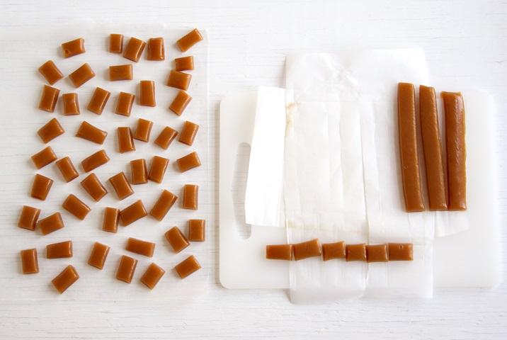 Apple Cider Caramels schneiden