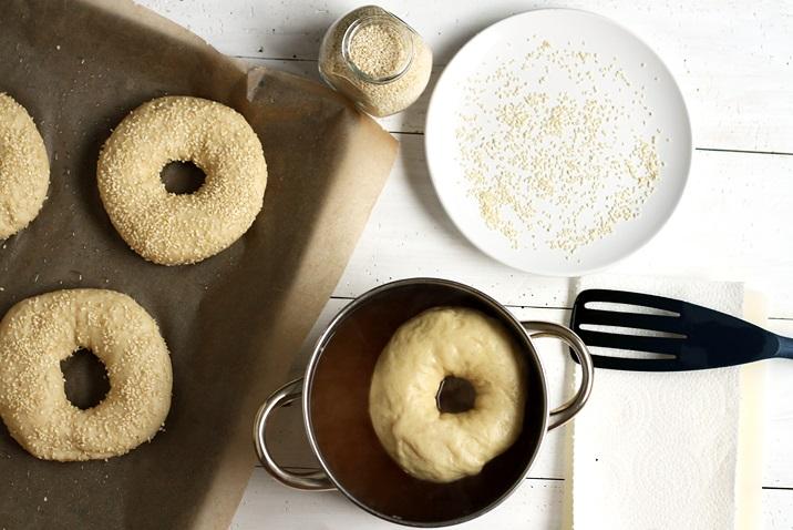 Bagels Kochwasser Naton und Honig