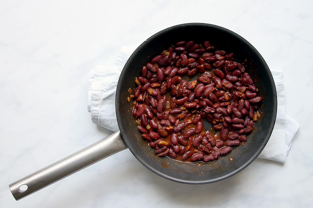 Bohnen anbraten für Burrito