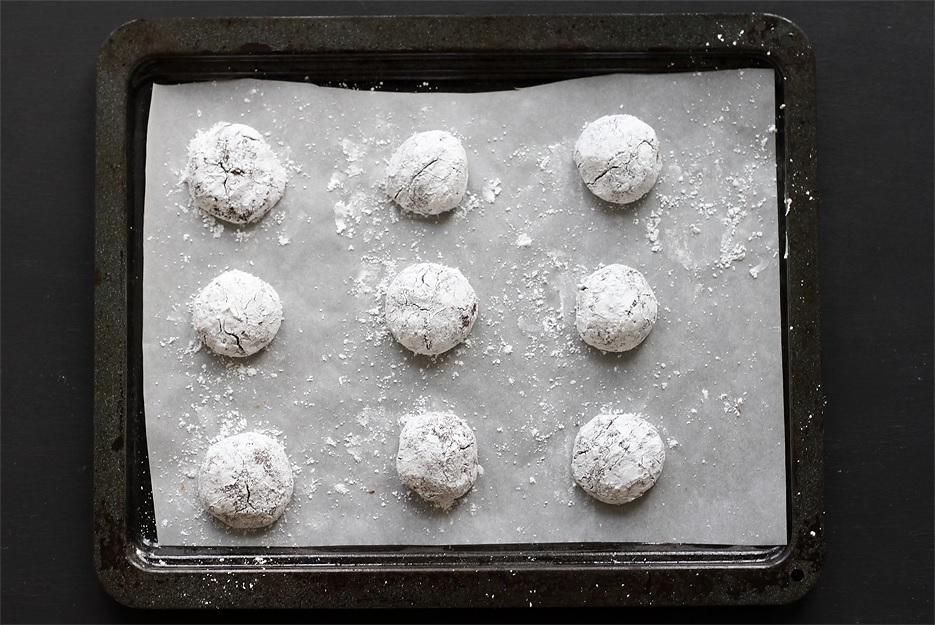 Chocolate Crinkle Cookies Teigkugeln
