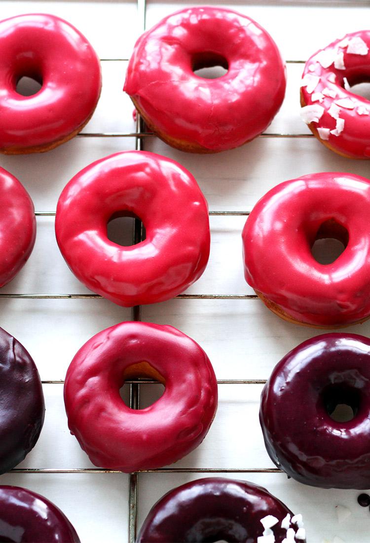 Donuts mit pinker Glasur Rezept