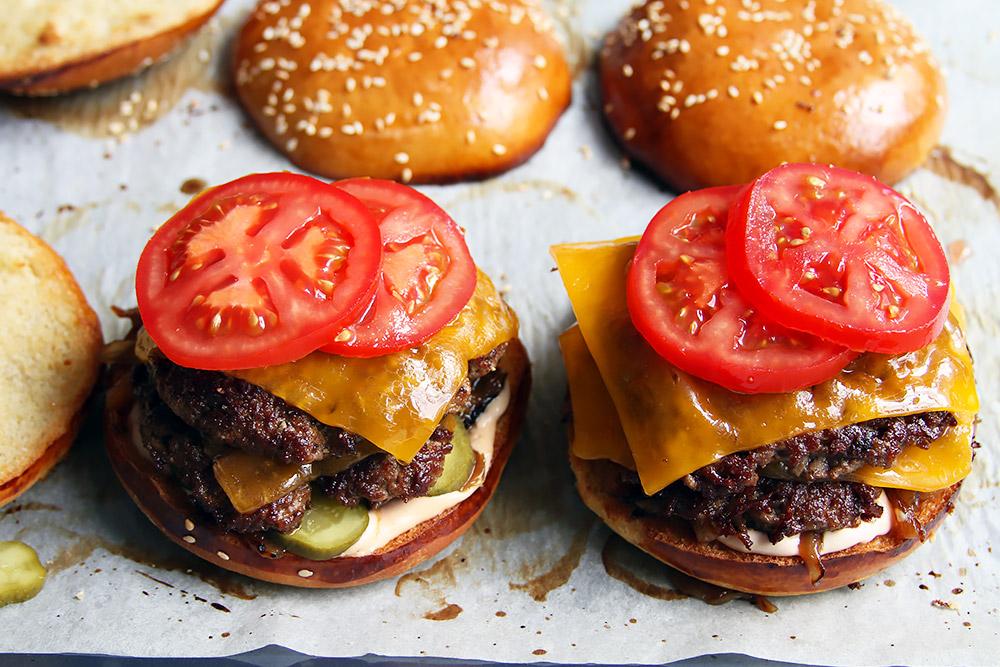 Doppelter Smash Burger Rezept