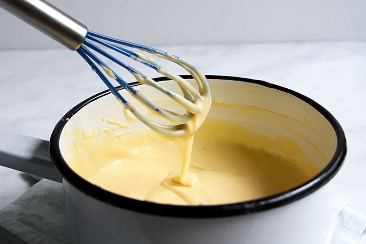 Einfache Käsesauce für Mac and Cheese Rezept