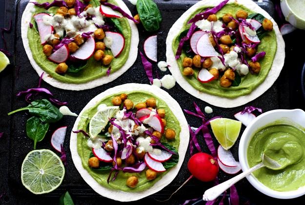Frühlings Soft Tacos mit Spinat und Curry-Kichererbsen Rezept