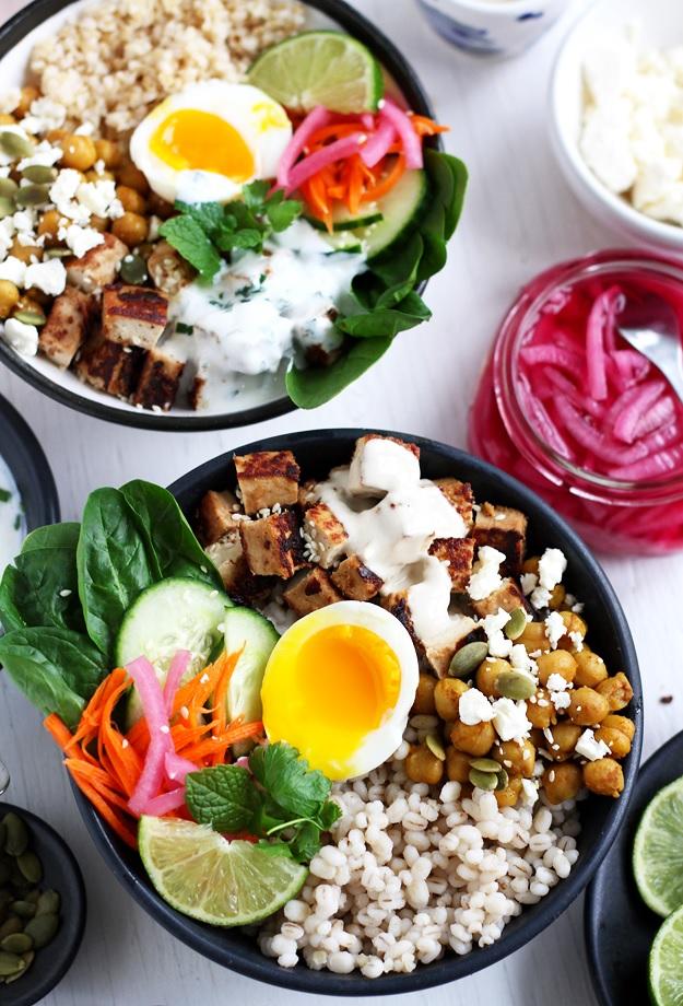 Grain Bowls mit Tofu und Kichererbsen Rezept