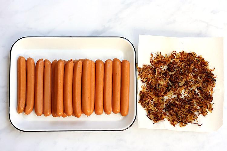 Hot Dog Rezept mit Röstzwiebeln