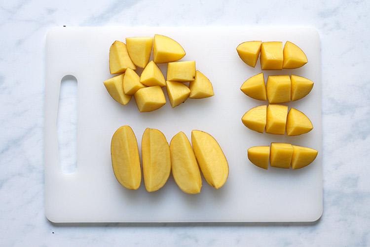 Knusprige Bratkartoffeln Kartoffeln schneiden