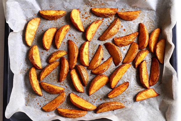 Knusprige Potato Wedges auf Blech Rezept