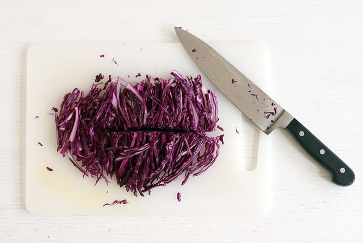 Kraut fürr Coleslaw schneiden