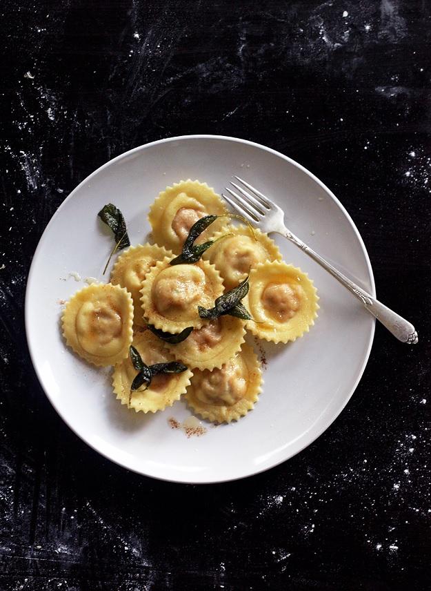 Kürbis Ravioli mit Salbei-Butter