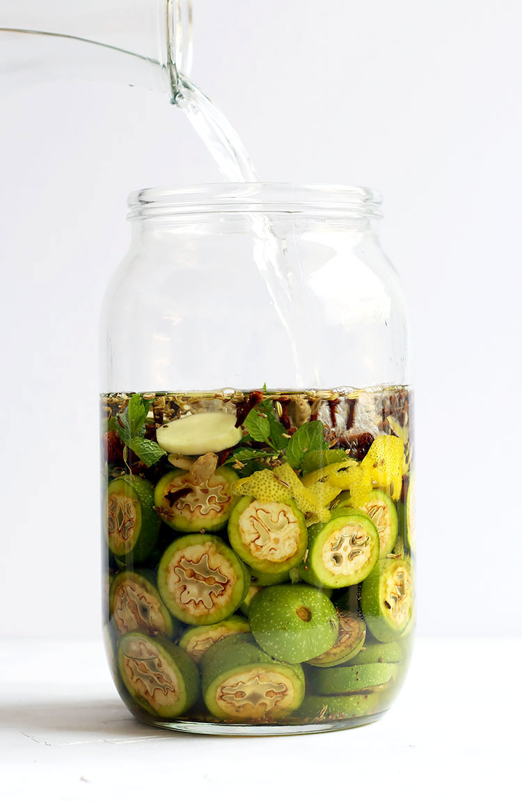 Nusschnaps aus grünen Nüssen Rezept Österreich
