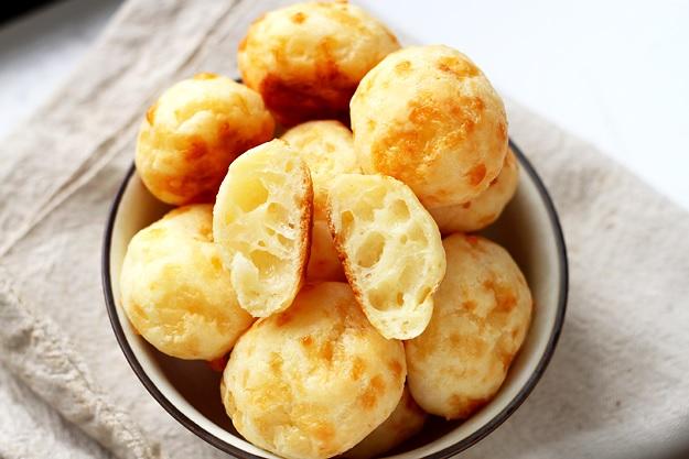 Pao de queijo Brasilianische Kaesebrötchen Rezept