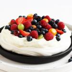 Berry Pavlova – Baisertorte mit Beeren