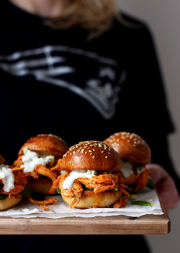 Pulled Buffalo Chicken Sliders Rezept