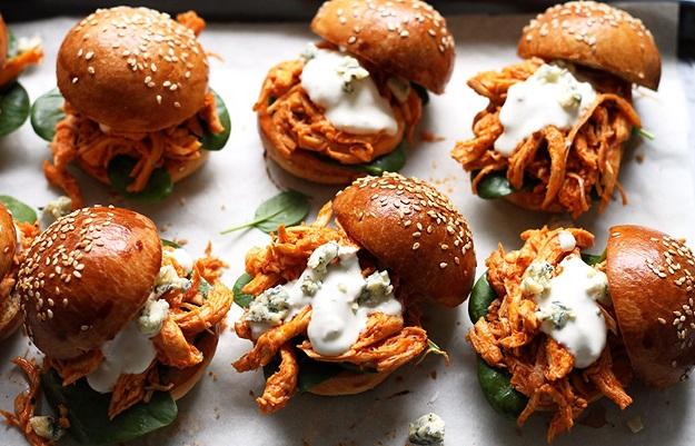 Pulled Chicken Burger einfaches Rezept
