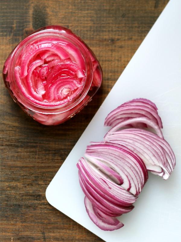 quick-pickled-onions-eingelegte-zwiebeln
