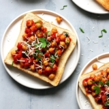Rezept Kichererbsen Tomaten auf Toast