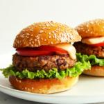 Vegetarischer Burger mit Kidneybohnen Patty