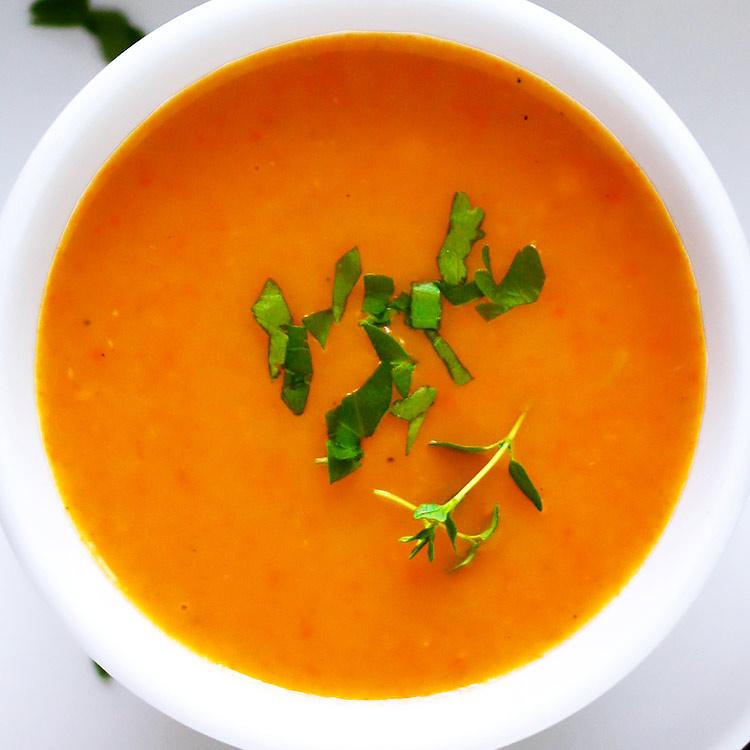 Klassische Gemüsesuppe