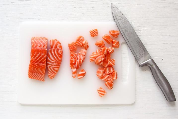 Roher Fisch (Lachs) für Ahi Poke