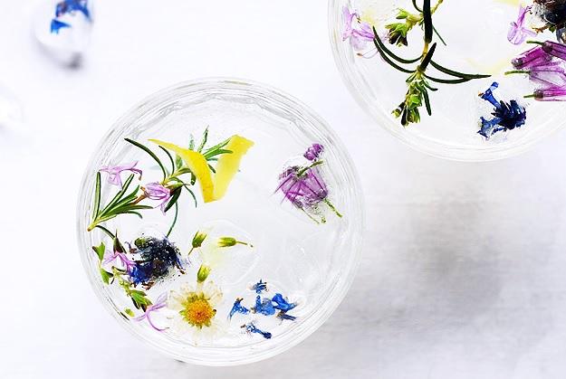 Rosmarin Gin Fizz Cocktail