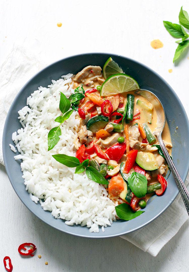 Rotes Curry mit Gemüse und Huhn Rezept