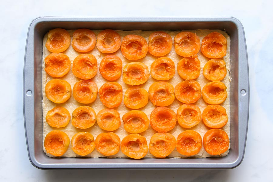 Saftiger Marillenblechkuchen Rezept