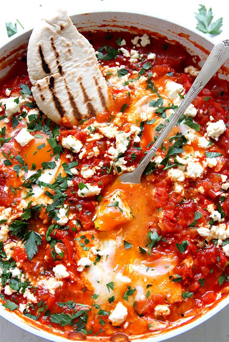 Shakshuka mit frischen Tomaten Rezept