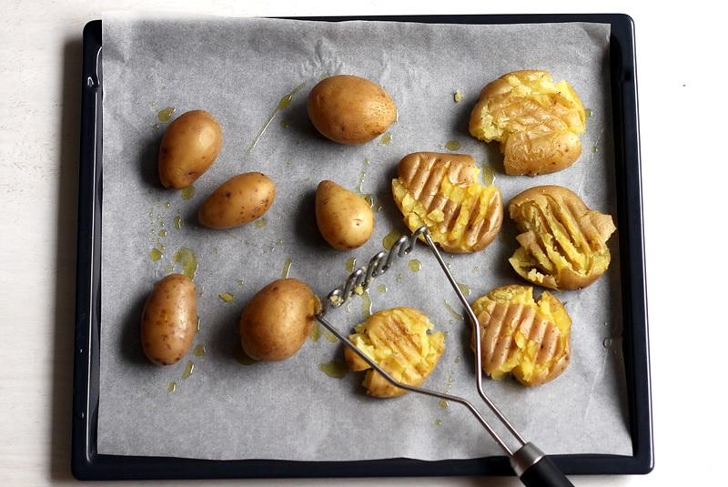 Smashed Potatoes andrücken