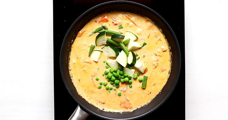 Thai Red Curry mit Huhn und Gemüse Rezept