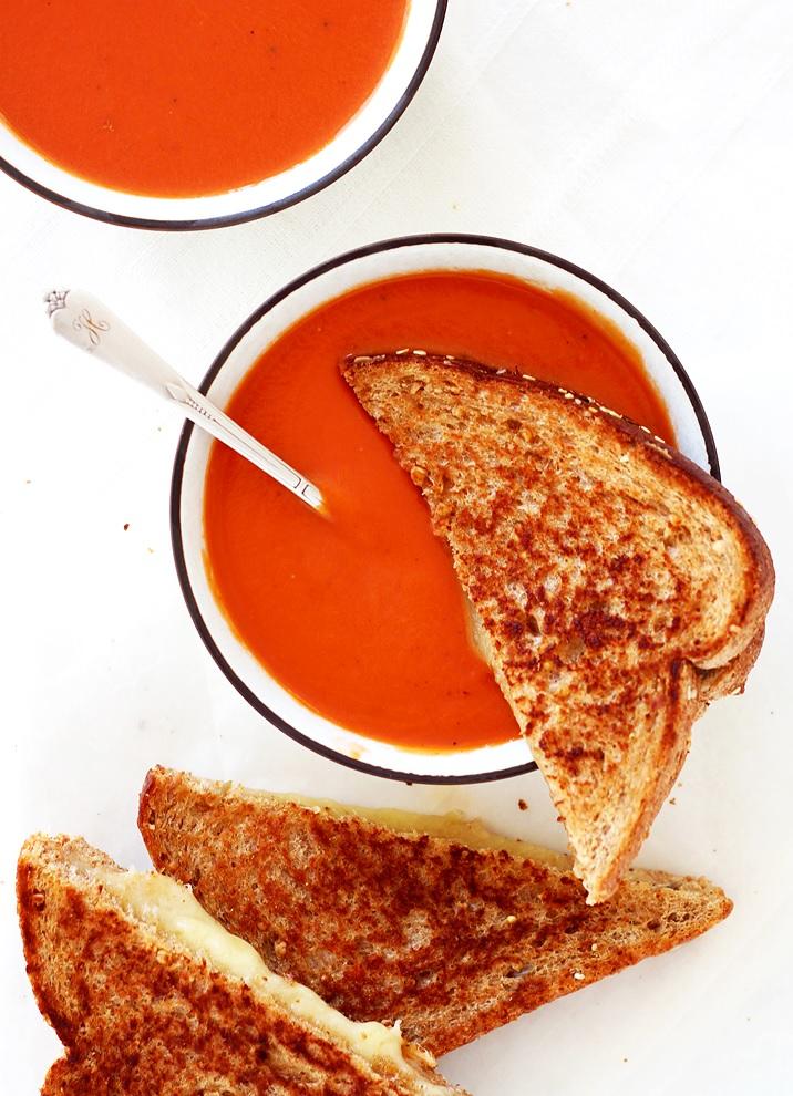 Tomato Soup Grilled Cheese Sandwich in der Pfanne gemacht - Rezept