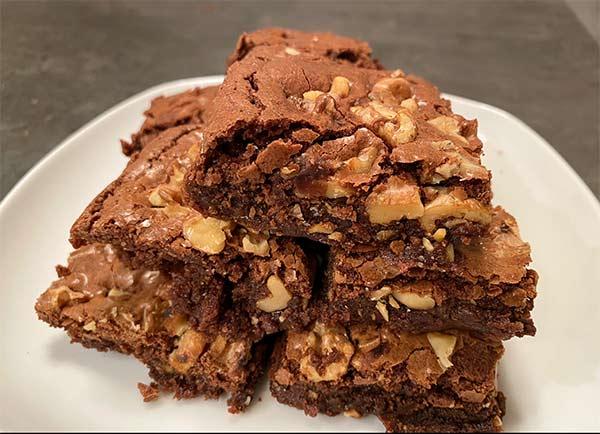 Saftige Brownies von Sabinen ach dem Rezept von tasteoftravel.at gebacken
