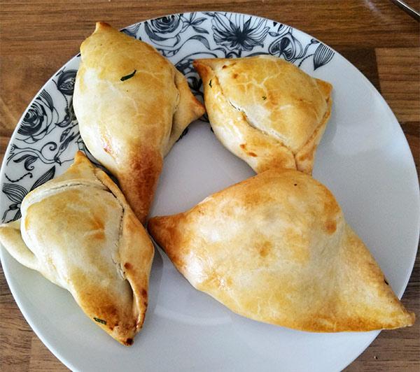 Rezept einfache Indische Samosas nach einem Rezept von Tasteoftravel.at