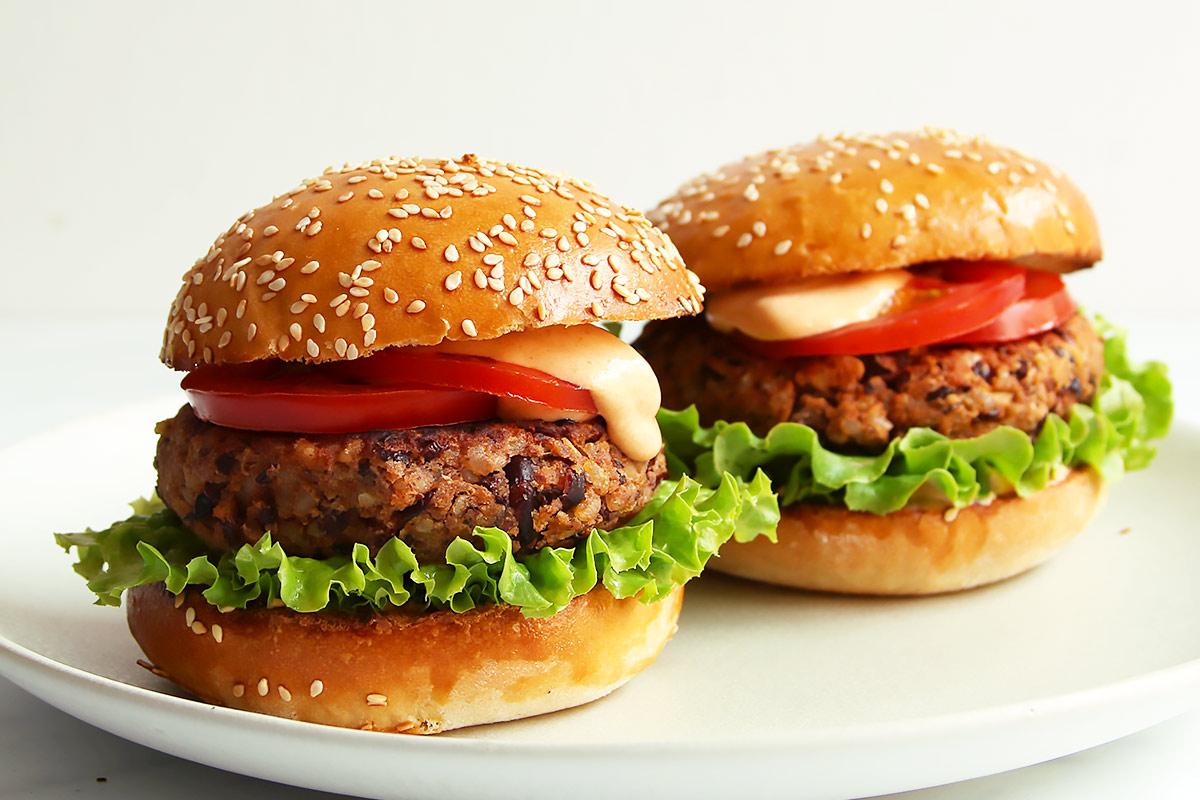 Vegetarischer Burger mit Bohnenpatty Rezept