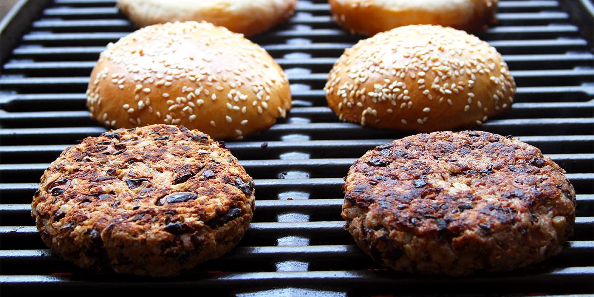 Vegetarisches Patty mit Bohnen Grill Rezept