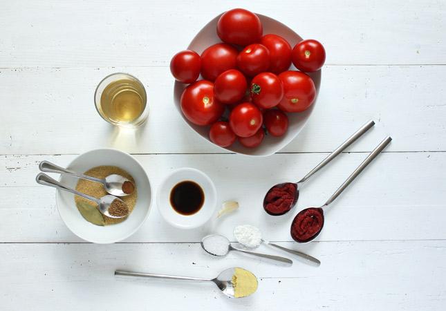 Zutaten für selbstgemachtes Ketchup