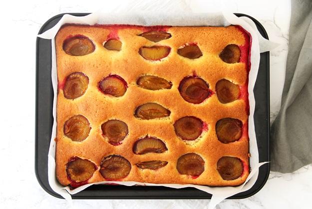 Zwetschgenkuchen mit versunkenen Zwetschgen Rezept